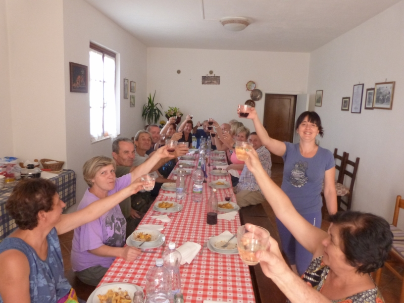 Party in Cappannelle during the harvest